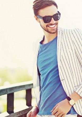 PENTRU EL: Cum să te simţi confortabil şi relaxat în costum, vara
