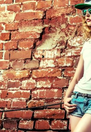 4 tricouri simple, dar esențiale pentru garderoba feminină